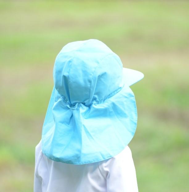 紫外線対策 UVカット赤白帽子